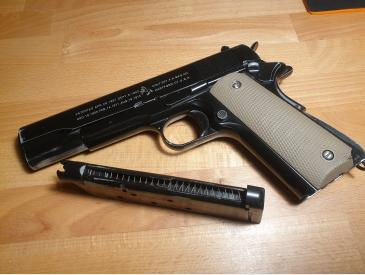 Colt m1911A1 airsoft kjw + Holster + Laser