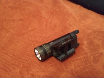 Vand o lanterna Nextorch WL10 LED si o clona anpeq 16 - 3